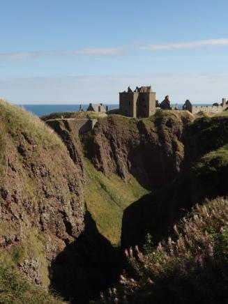 5-dunnotter-castle-2